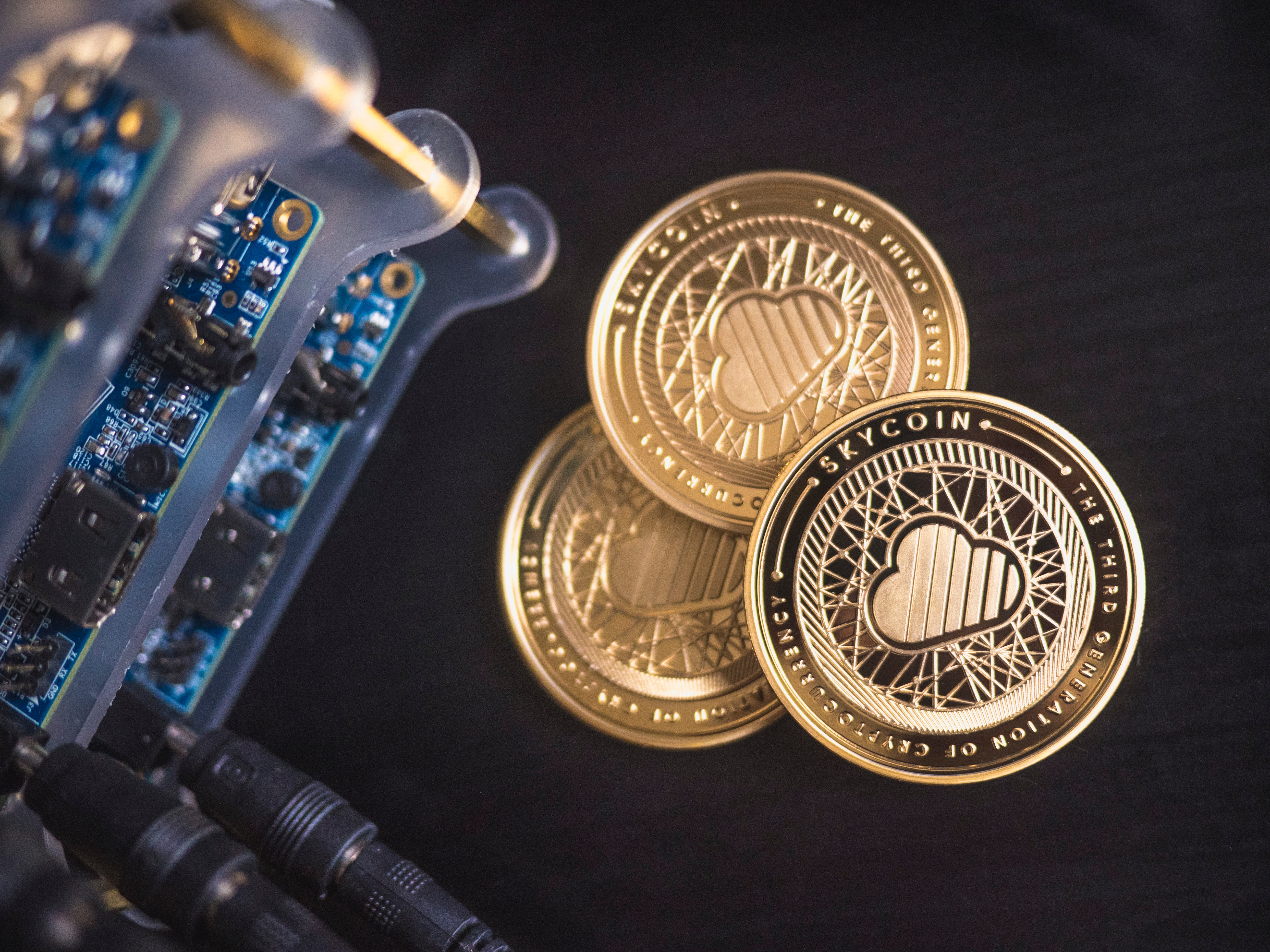 """Cryptocurrencies and """"mining"""" - how does the digging process actually work? 