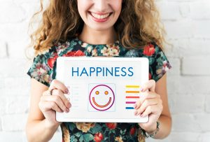Training positive thinking and happiness with use of apps for mental health